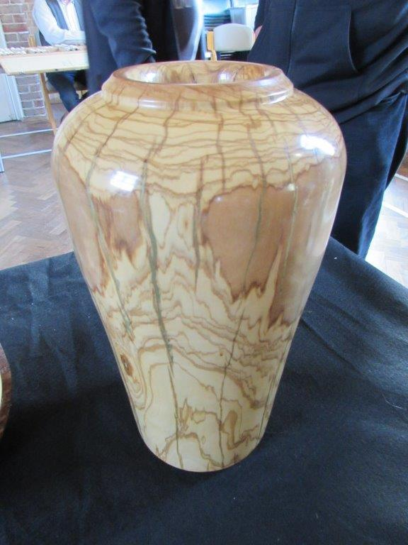 Olive Urn with brass inlay - Roger Gubbin